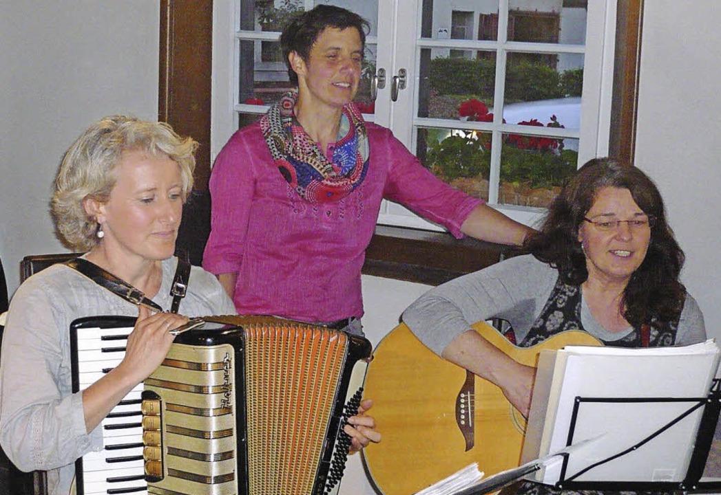 Drei Freundinnen gestalteten einen Mun...eilbach-Schmittel und Sabine Wuchner.   | Foto: klaus brust