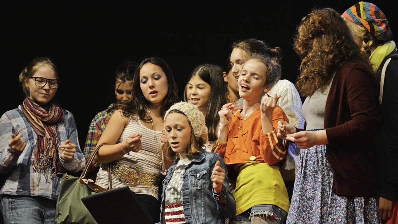 Legen sich ins Zeug: die Nachwuchsschauspieler des Jungen Theaters.   | Foto: Barbara Ruda