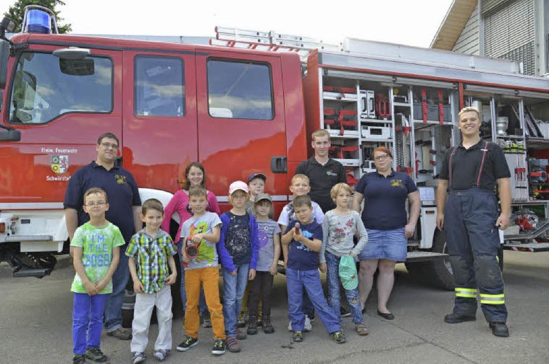 Zehn Kinder waren beim Informationsabend der Feuerwehr Schwörstadt dabei.     Foto: Martin Eckert