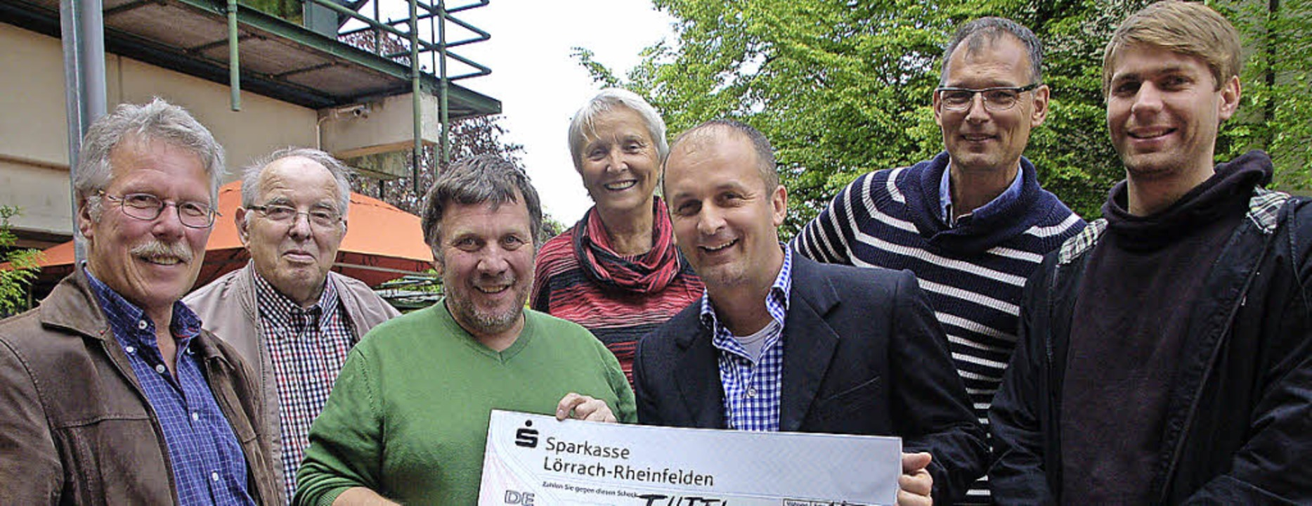 Zum Abschied erhält die Kaltenbachstif...00 Euro vom Förderverein Tutti-Kiesi.   | Foto: Petra Wunderle