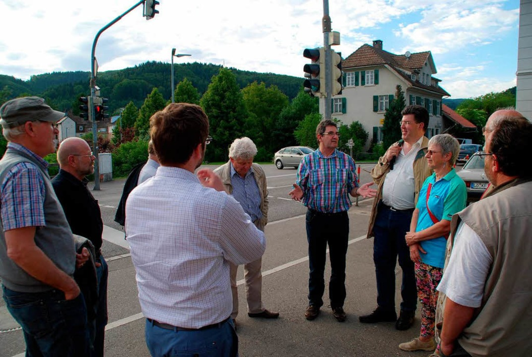 SPD-Ortstermin: Vor über einem Jahr ha...mzugestalten. Nur passiert ist nichts.    Foto: Edgar Steinfelder