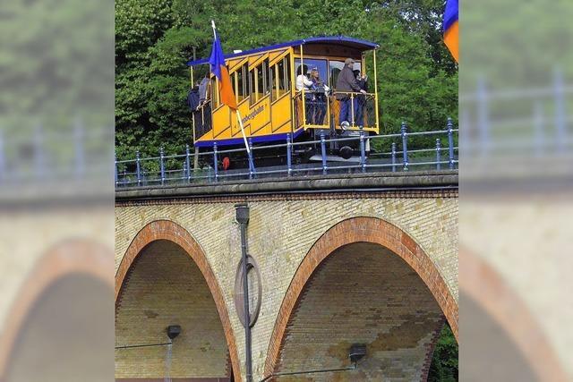 FLUCHTPUNKT: Trauung in der Bergbahn