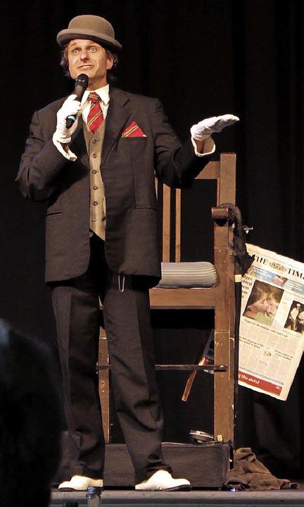 Komik und Zauberei. Gernot Bohnenberge...eherrscht  die Kunst der Unterhaltung.  | Foto: Adrian Hofmann