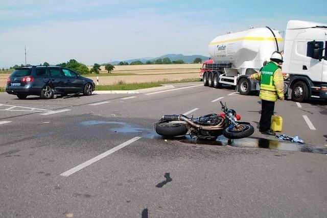 Ein Schwerverletzter nach Zusammenstoß zwischen Pkw und Motorrad bei Bad Krozingen