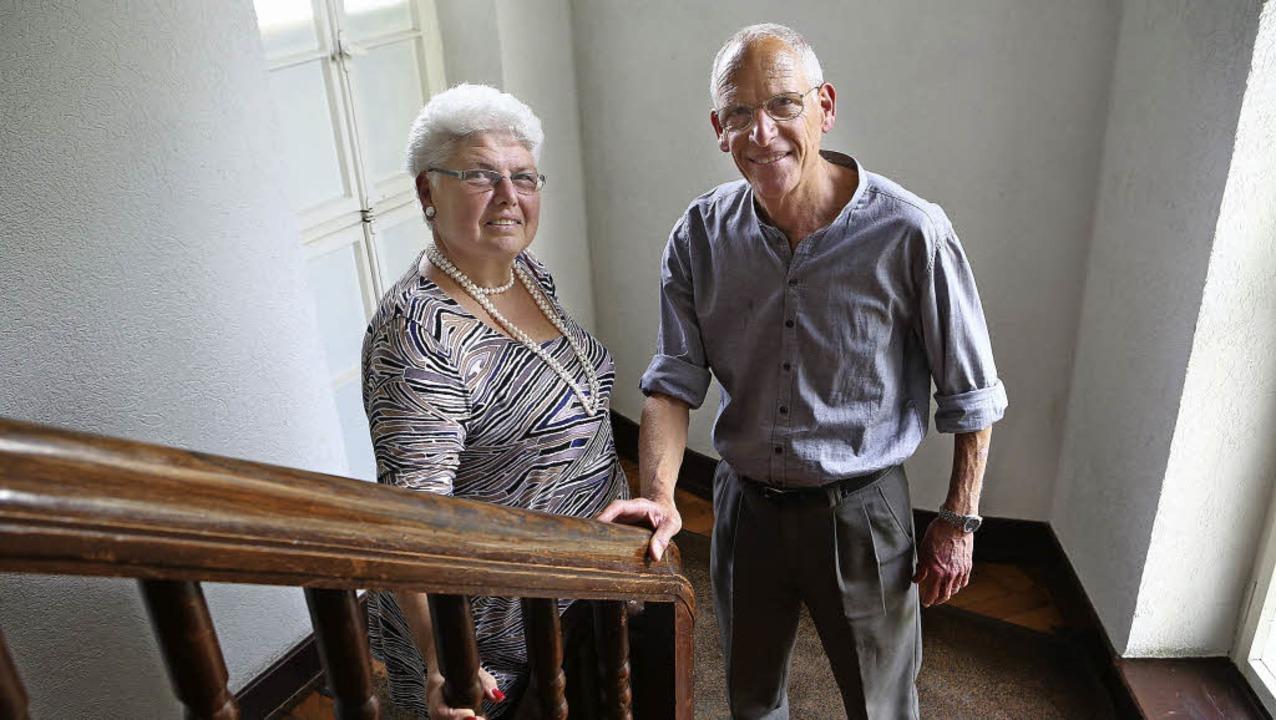 Uri Rosenfelder mit seiner Frau Atara ...eländer  stammt noch aus dieser Zeit.     Foto: Christoph Breithaupt