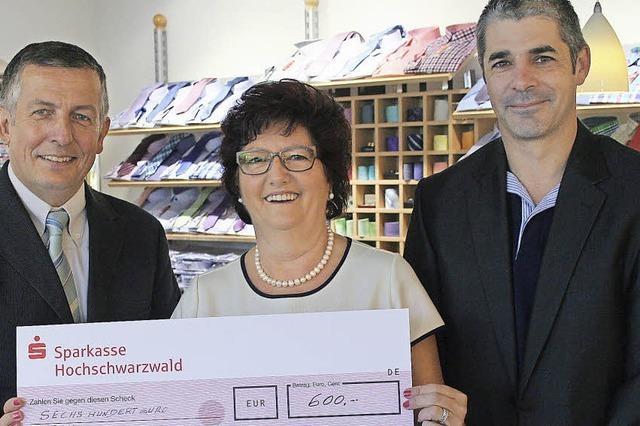 600 Euro für den Sozialfonds