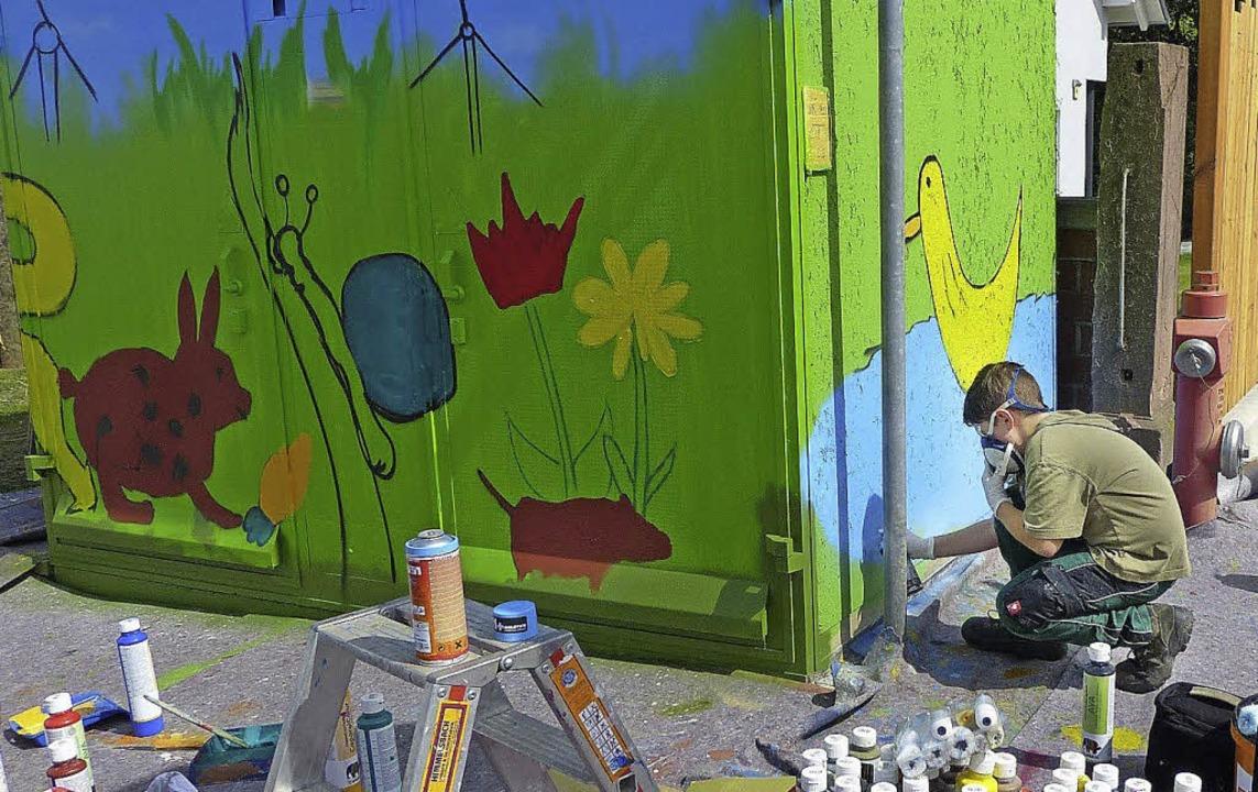 Bunter Blickfang: Jugendliche haben di...rbenfroh und mit Botschaft gestaltet.   | Foto: ZVG/badenova