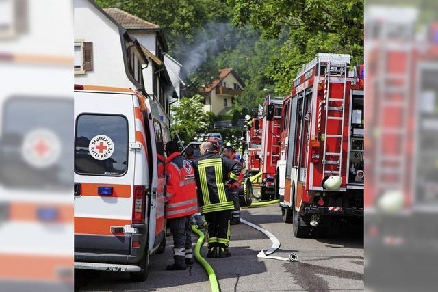 Brand in Kollnau: Flammen aus dem Fenster