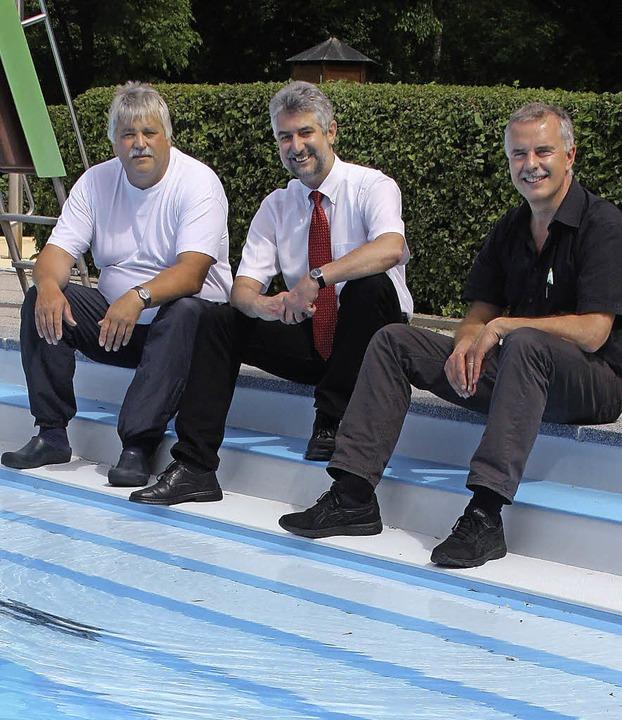 Noch müssen auch der neue Leiter der B...dann endlich zur Abkühlung ins Wasser.    Foto: jörn kerckhoff