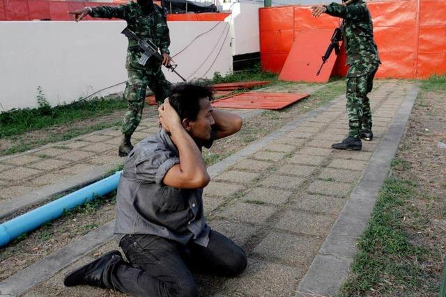 Armeechef lässt Anhänger der Regierung verhaften