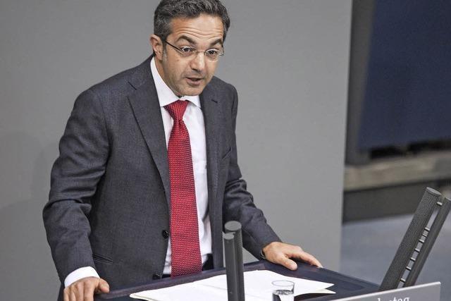Zum Geburtstag der Verfassung Kritik an Flüchtlingspolitik