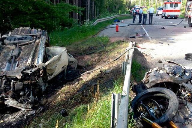 Zwei Motorradfahrer sterben nach schwerem Unfall bei Bärental