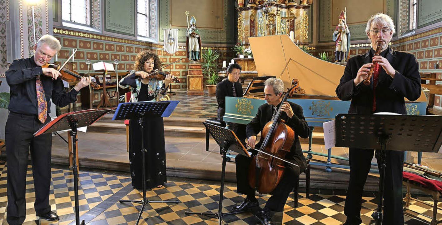 Das Ensemble Rebel begeisterte mit seiner Musik in der Altdorfer Kirche.   | Foto: sandra decoux-kone