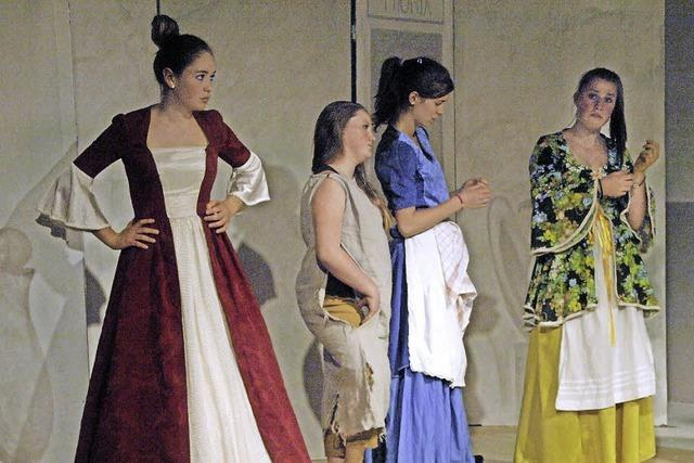 """Waldorfschule Dachsberg führt Shakespeares """"Komödie der Irrungen"""" auf"""