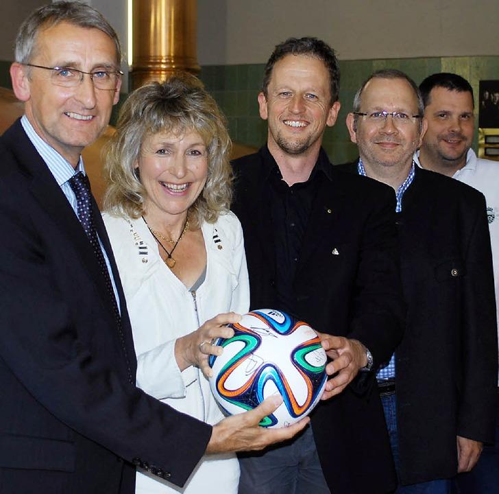 Armin Schuster, Heidi Thron, Günther E...ndreas Walter, Peter Vogl (von links)   | Foto: Mink