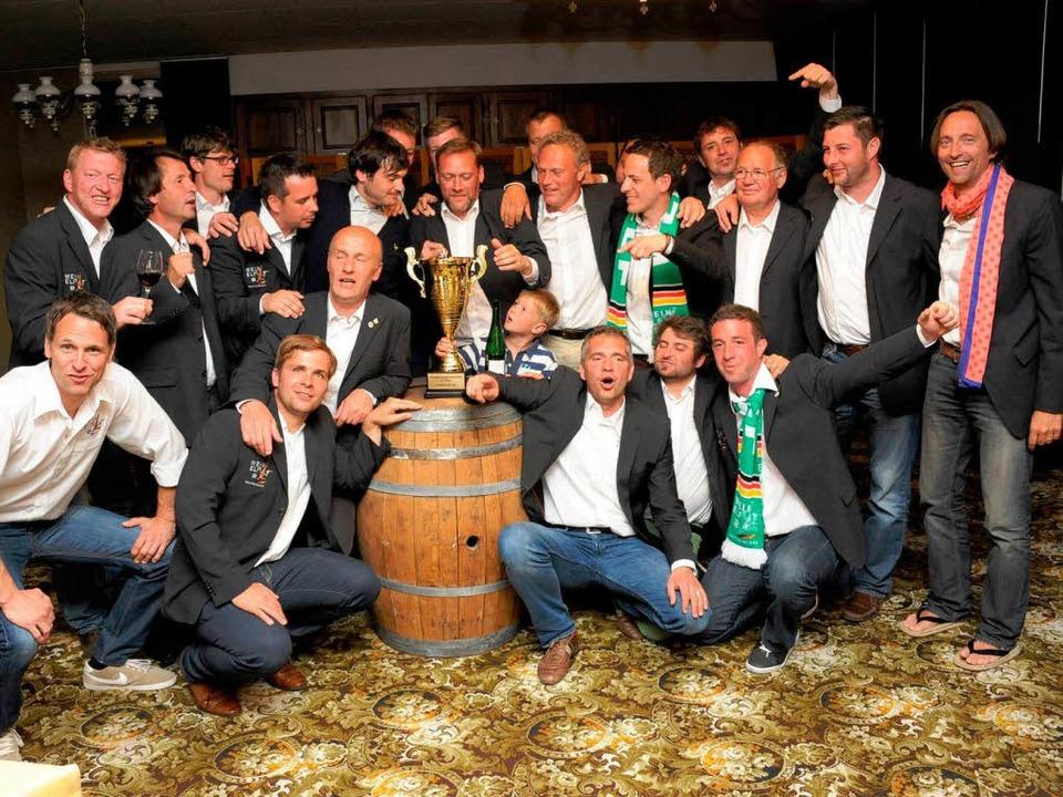 Die deutsche  Weinelf kann nicht nur Fußball spielen, sondern auch feiern.  | Foto: privat
