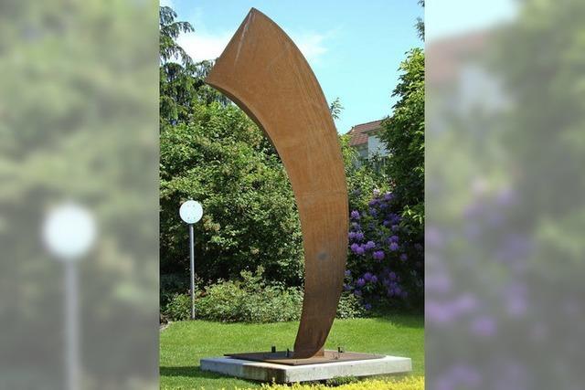 Bildhauer verneigt sich vor dem Dichter