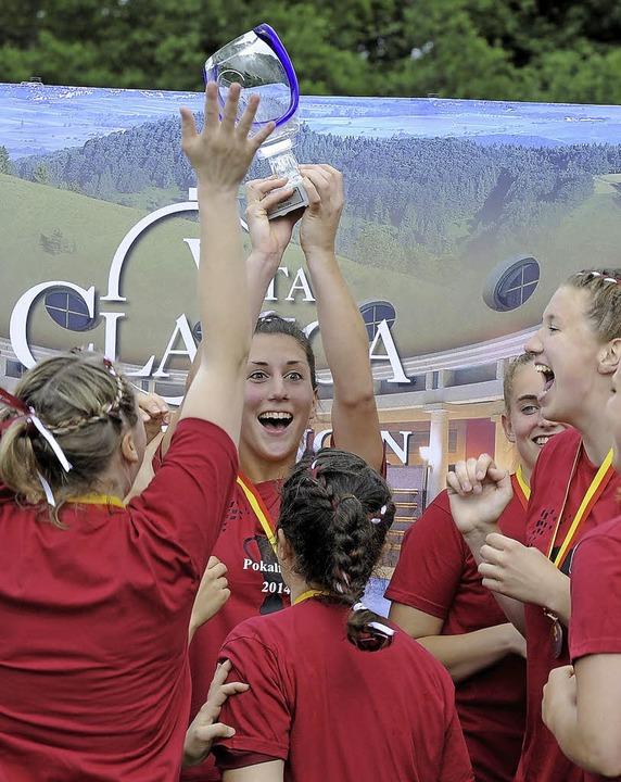Freude pur bei den Spielerinnen der SG Au-Wittnau nach dem Pokalsieg  | Foto: Achim Keller