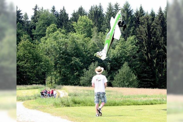Hohe (Flug-)Kunst des Modellfliegens