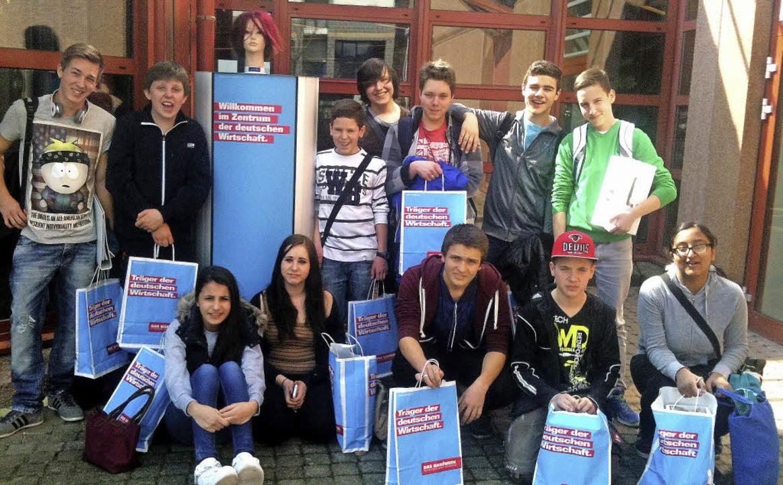 Eines Tages werden sie in der Tat &#82...gang der Gewerbe-Akademie in Freiburg.    Foto: Privat