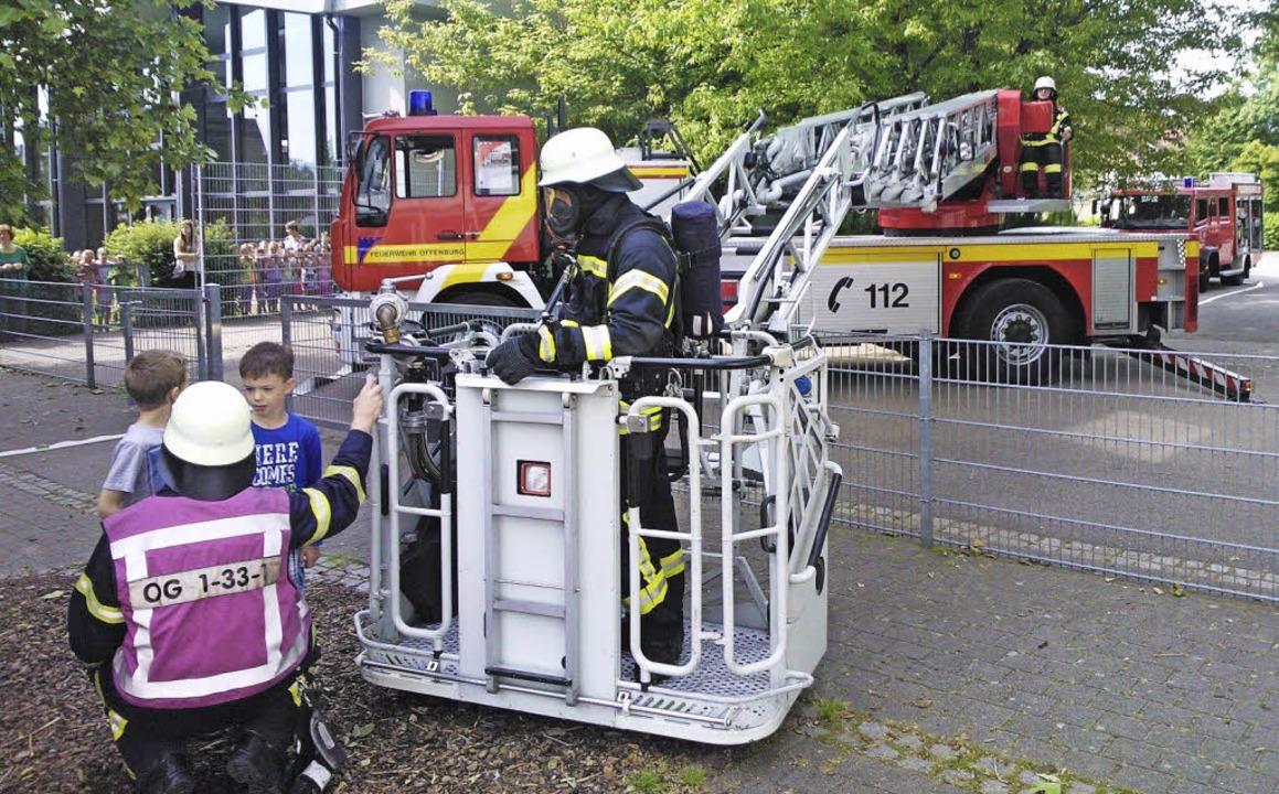 Freiwillige Feuerwehr Feuerwehrübung an der Grundschule Griesheim  | Foto: Wolfgang Schreiber