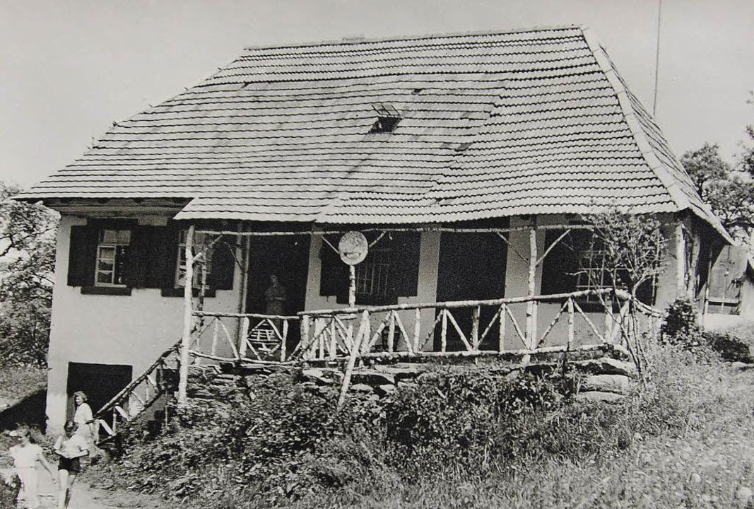 Das Haus des alten Kreuzwirts auf dem ... abgerissen und 1961/62 neu aufgebaut.    Foto: REPRO: WOLFGANG BECK