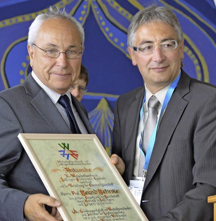 Bernd Behnke (links), Initiator des Wi...er Köpfler zum Ehrenmitglied ernannt.   | Foto: Martin Wunderle