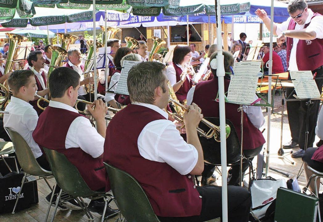 Gestern Nachmittag unterhielt der Musi...merfest der Isteiner Musikerkollegen.     Foto: Reinhard Cremer