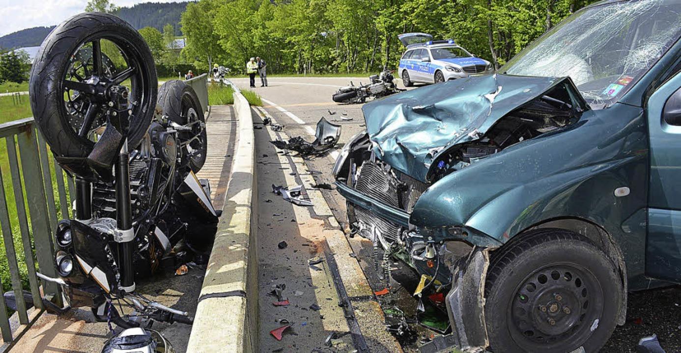 Lebensgefährliche Verletzungen erlitte... der B317 Brücke in Titisee-Neustadt.     Foto: Kamera 24