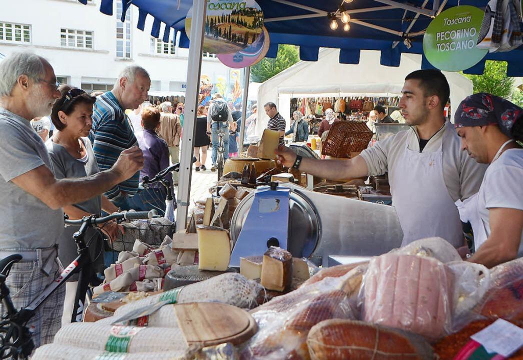 Zum ersten Mal mit  dabei: der italienische Markt  | Foto: Maja Tolsdorf