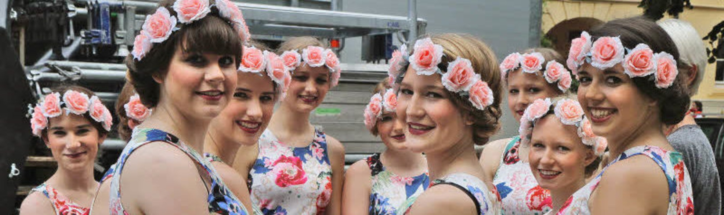 Viele Mädchen und junge Frauen prägten..., die ihr Können auf der Bühne zeigte.  | Foto: Wiedenmann Clemens