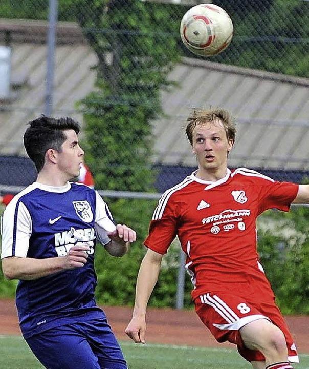 Hochball: Tobias La Fiura (links, Murg...ann und noch Aufstiegshoffnungen hegt.  | Foto: Schön