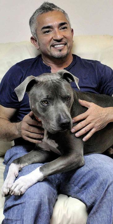 Cesar Millan sieht sich selbst als weltgrößten Hundefan.   | Foto: DPA