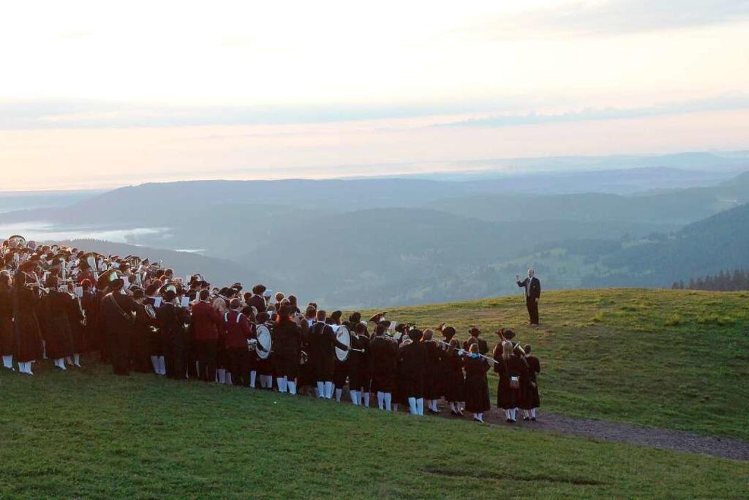 Hommage an die Heimat:  400 Blasmusike...ald bei Sonnenaufgang auf dem Feldberg