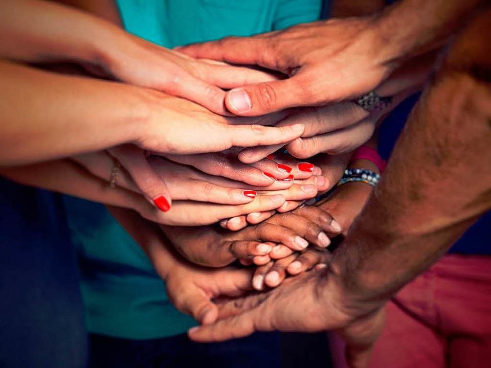 Selbsthilfegruppen können helfen.   | Foto:  lassedesignen (fotolia)