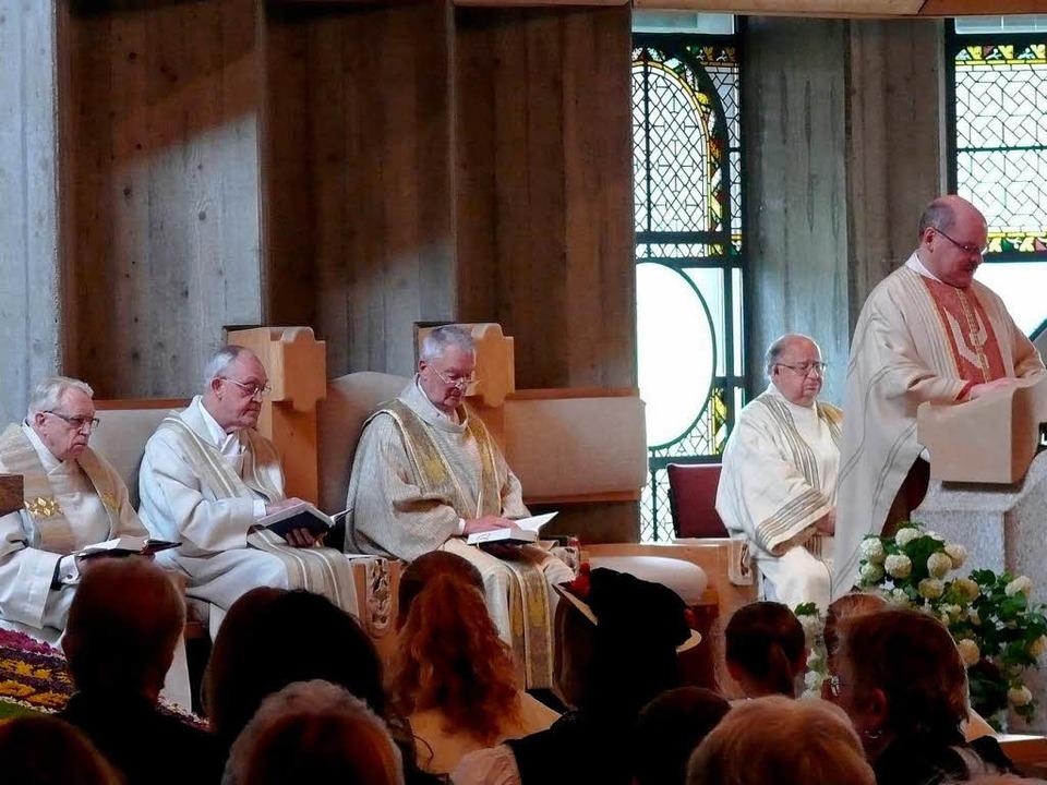 Den Festgottesdienst zum Diamantenen  ...d Pfarrer Johannes Buchmüller. </Text>    Foto: Ute Aschendorf