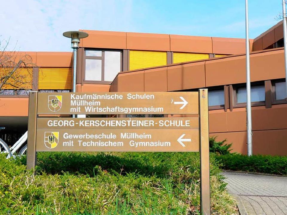 Die beruflichen Schulen sollen in  Mül...  Kultusministerium der Landrätin mit.    Foto: Frederik Mayer