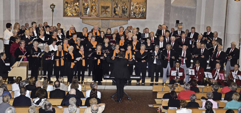 Das große Kirchenkonzert mit über 150 ... Georg fand einen sehr großen Anklang.  | Foto: Martina Weber-Kroker