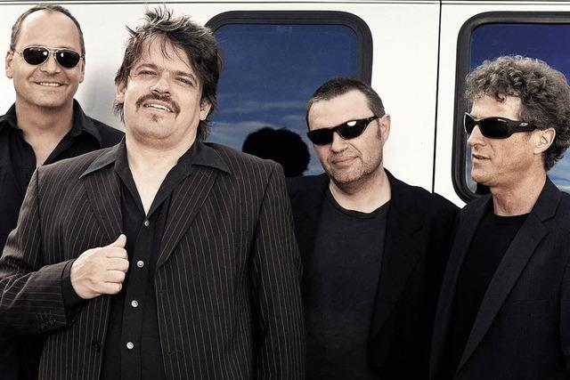 Barrel of Blues spielt in Emmendingen für Walter Trout