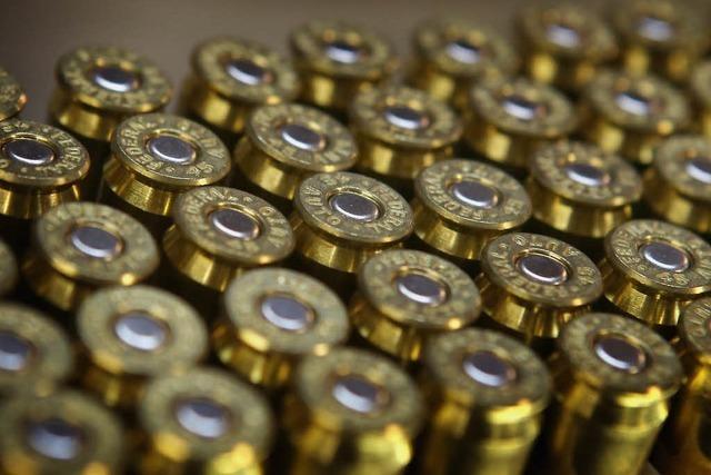 Gericht verurteilt 56-Jährigen wegen illegaler Waffen