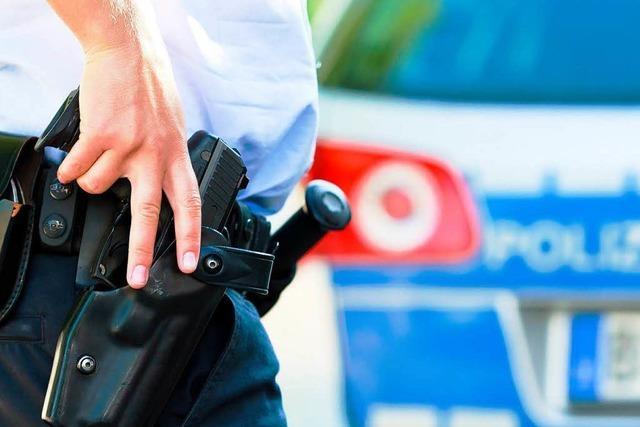 Panzerknacker sprengen Geldautomaten und schalten Polizei aus
