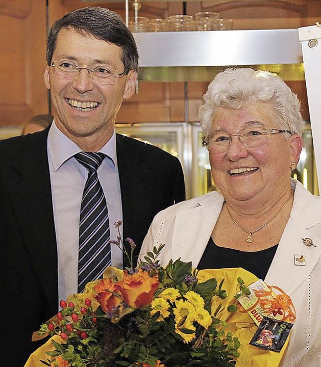 Blumen für die Gründermutter Christel Mösch  | Foto: Sandra Decoux-Kone