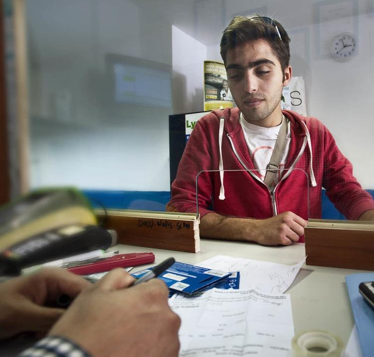Mohammed Kelar, 21, aus Aleppo – hier noch im Mailänder Hauptbahnhof  | Foto: Nadine Zeller