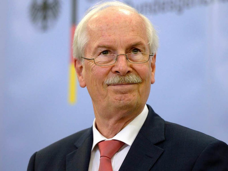 Wegen der Ermittlungen zum abgehörten Merkel-Handy: Darf