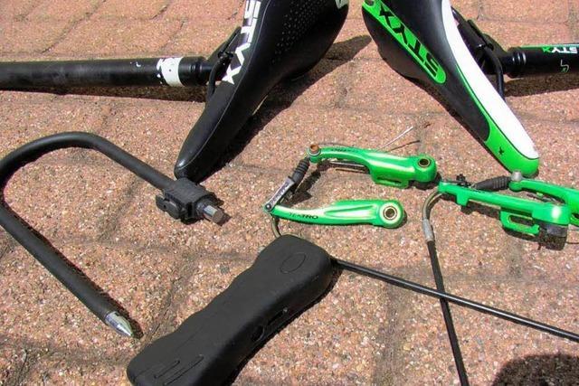 Gebunkerte Fahrradteile in Kollnauer Garage