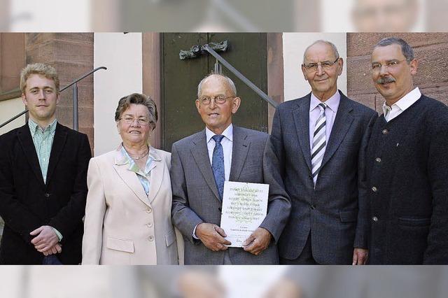 Kirchenchor ehrt langjährige Sänger