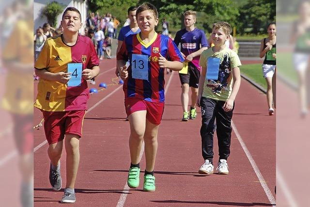 Schüler laufen für den Campus