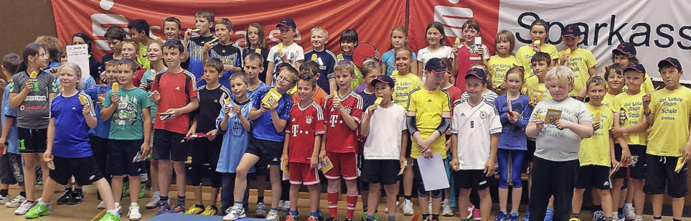 Quirliger Nachwuchs: Sechs Schulteams ...im Handballturnier des TV Neustadt an.  | Foto: schreiner