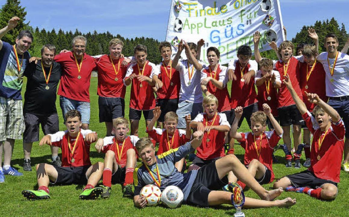 Pokalsieger: Die C-Junioren der SG Gra...enbronn mit 5:4 in der Verlängerung.      Foto: junkel