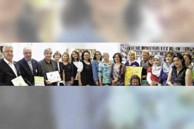 Mit dem Bilderbuch lernen Mütter und Kinder